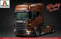 "1:24 Scania R730 V8 ""Black Amber"" Italeri 3897 Model Kit"