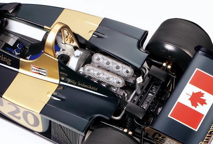 1:12 Honda RC211V M.Melandri 33 Spain N°1 2006 00429