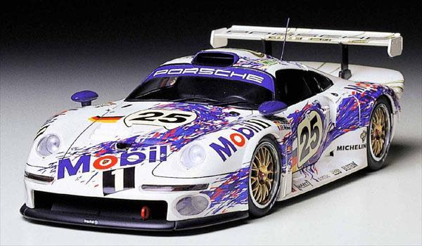 porsche 911 gt1 price 1998 porsche 911 gt1 strassenversion auctioned for 5 665 000 gtspirit. Black Bedroom Furniture Sets. Home Design Ideas