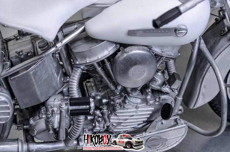 1:9 Harley-Davidson Panhead 1948 Multi Media Model Kit