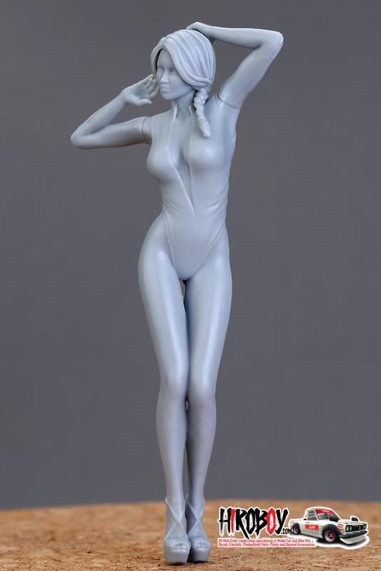 1:18 Show Girls Resin Figure