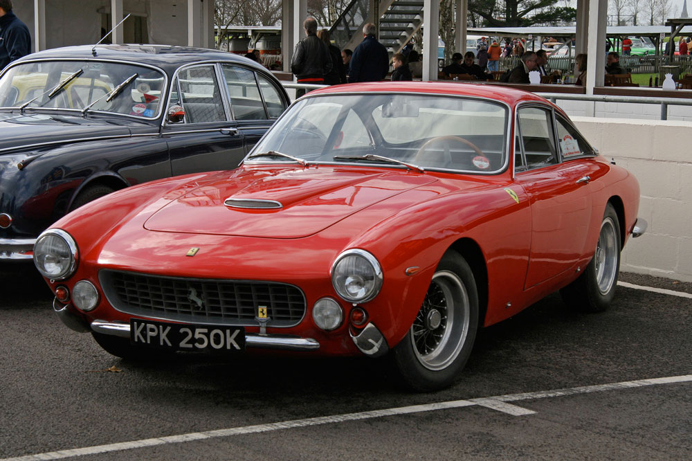 1 24 Ferrari 250 Gt Lusso Multi Media Kit Mfh K543