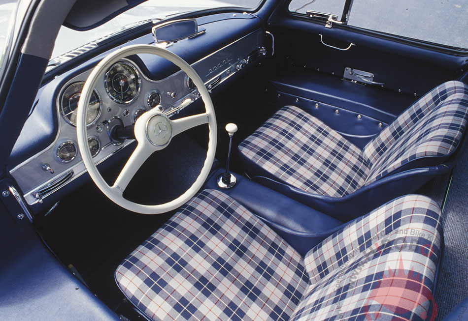 1 24 plaid upholstery pattern decal 1962 mercedes benz 300sl sku1962 scale motorsport. Black Bedroom Furniture Sets. Home Design Ideas